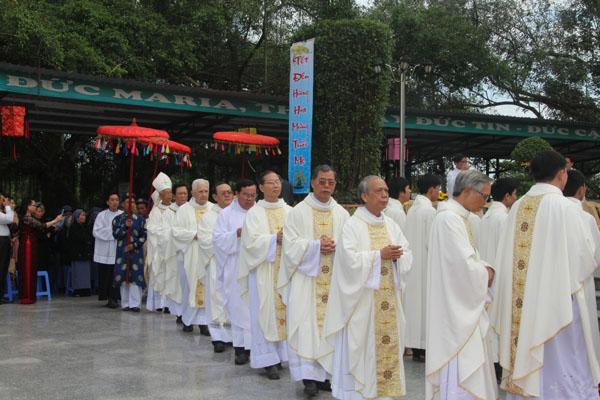 La Vang - Lễ Minh Niên 2013-01