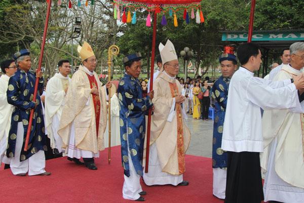 La Vang - Lễ Minh Niên 2013-02