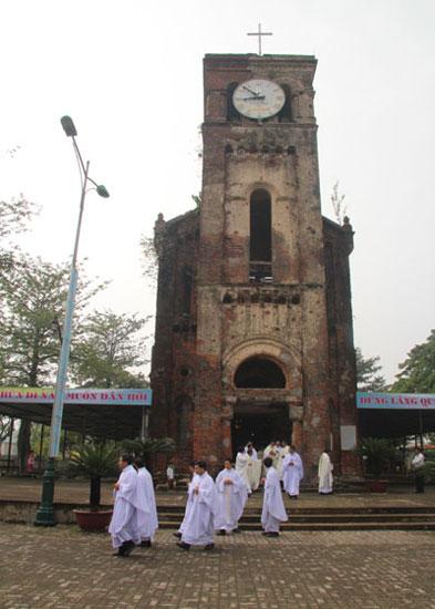 Tháp cổ la vang 930