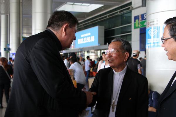 ĐHY Tổng trưởng Bộ Đời sống thánh hiến và các Tu đoàn tông đồ thăm Giáo Hội Việt Nam
